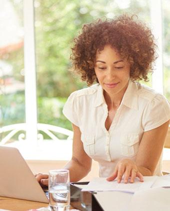 Votre contrat d'assistante maternelle : quels points vérifier