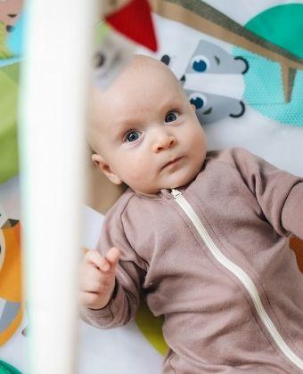 Quels critères pour choisi un tapis d'éveil pour bébé