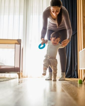 Maux de dos des assistantes maternnelles
